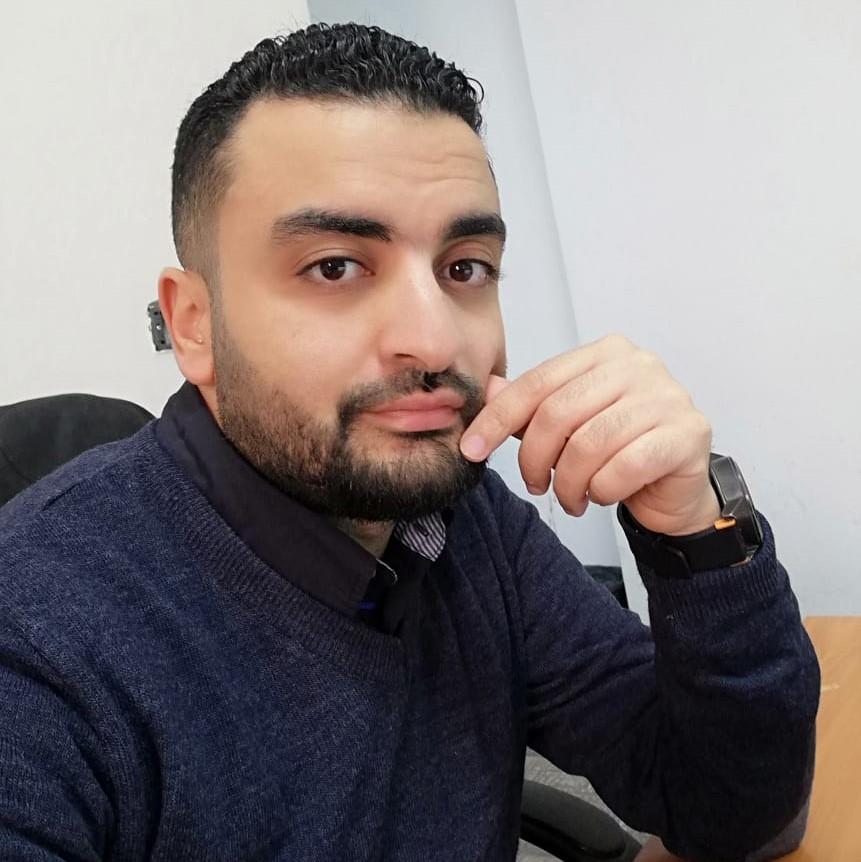 https://scientific-center.com/wp-content/uploads/2021/04/أ-عمرو-عبد-الحليم-1.jpg